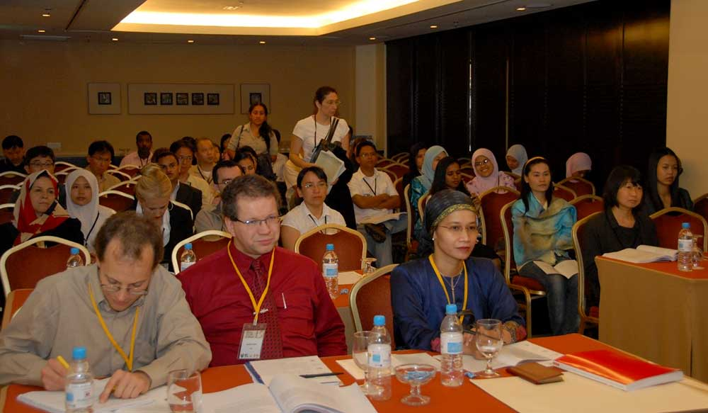 Attendance at a lecture at the meeting in Penang 2007 Front row: Frithjof Kuepper,  Rainer Ebel and Siti Aisyah Alias (Organiser) Co-chairmen of a session on aquatic fungi, Penang 2007.
